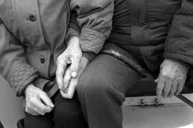 images.jpg old people in love
