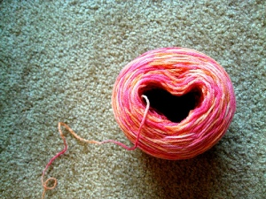 heart with yarn